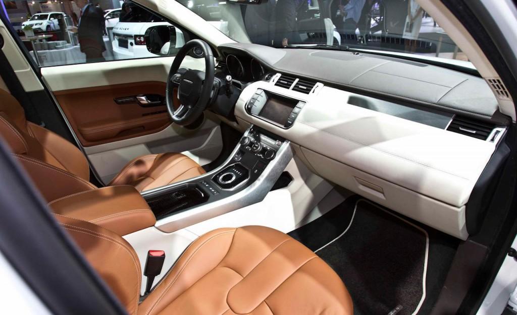 2012-land-rover-range-rover-evoque-5-door-interior-photo-376202-s-1280x782.jpg
