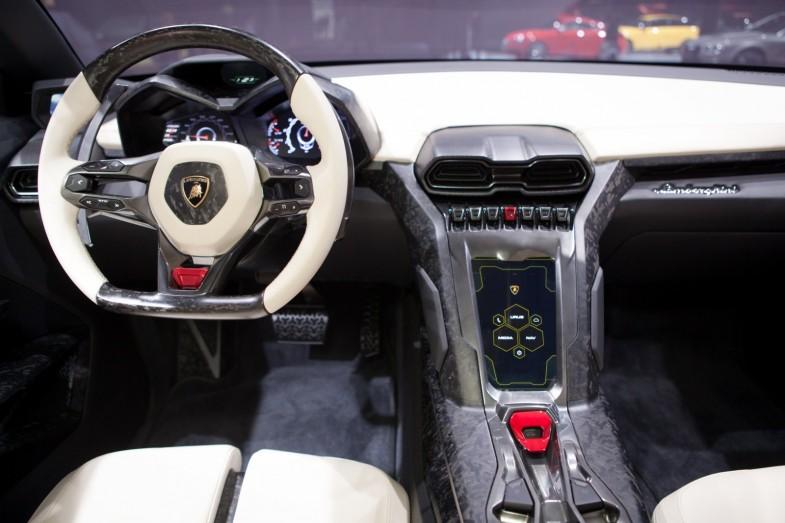 Lamborghini-Urus 2
