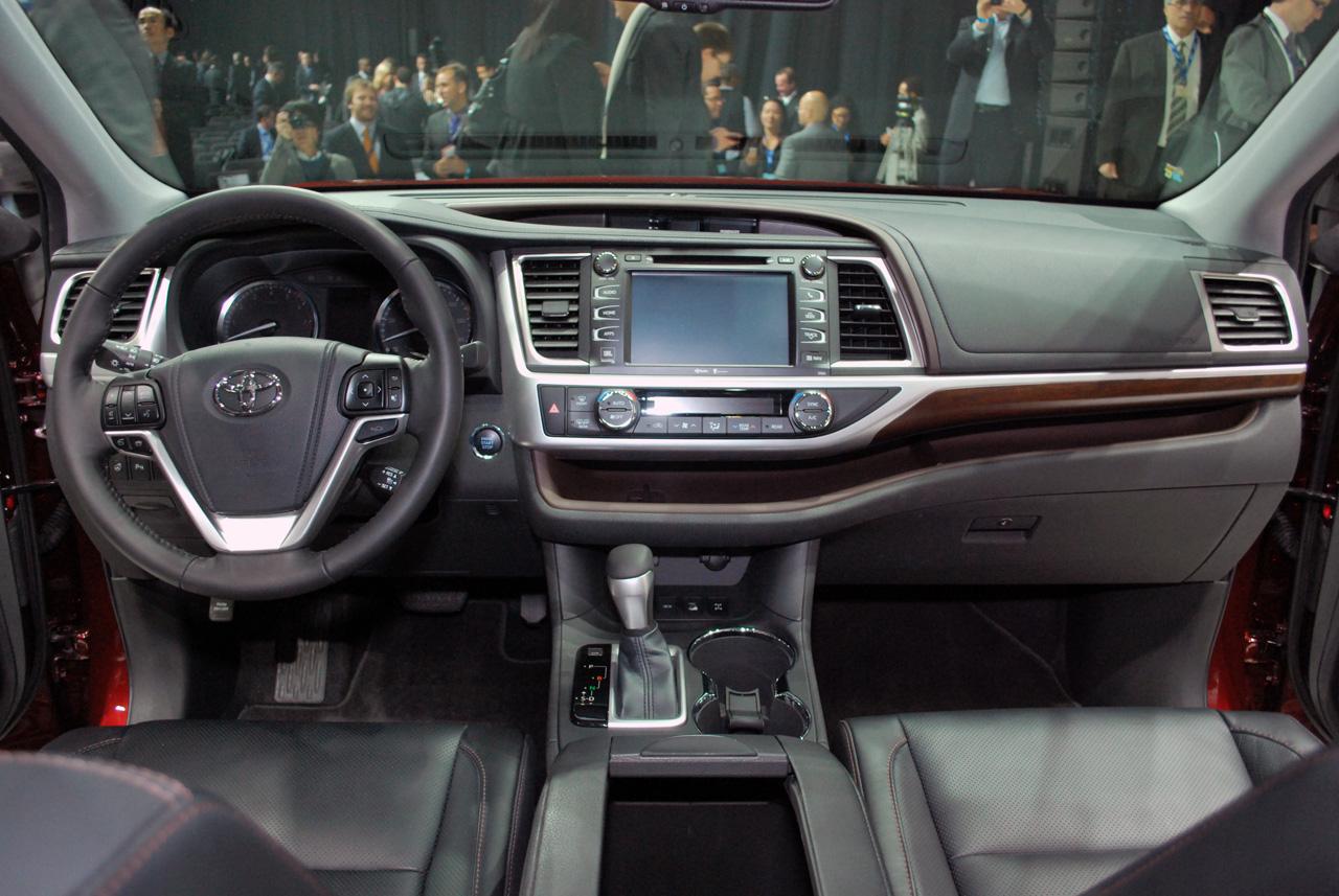 Toyota Highlander 2014 — обзор третьего