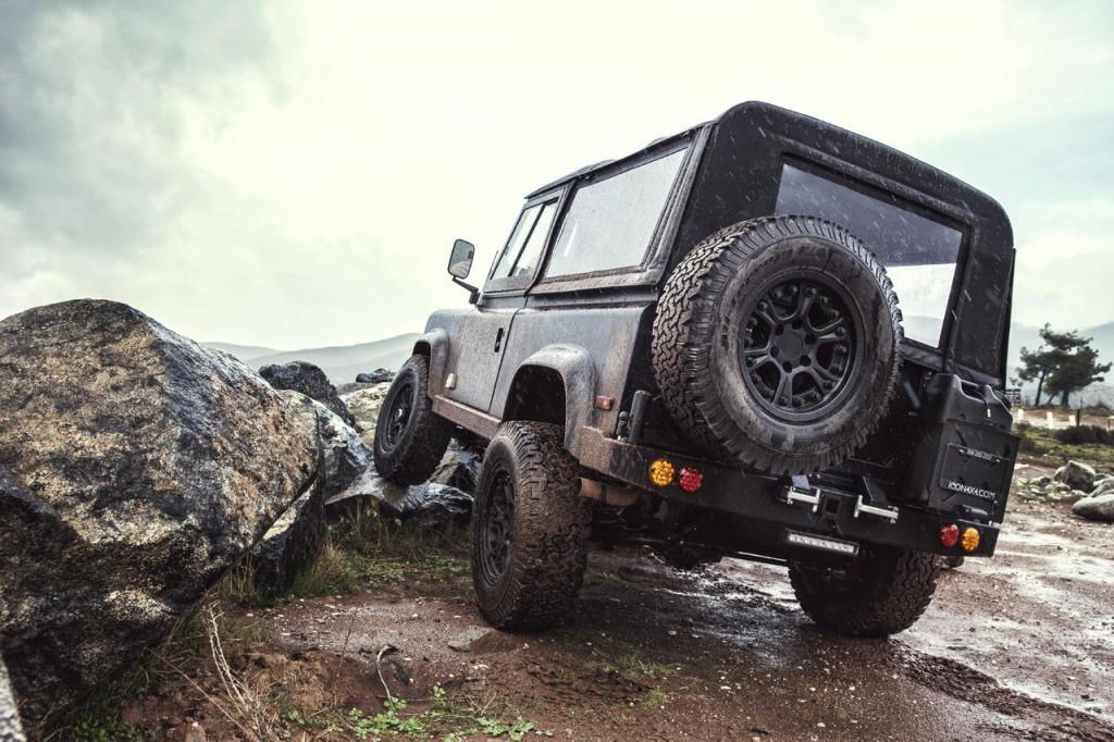 Land Rover Defender 90 1995 02