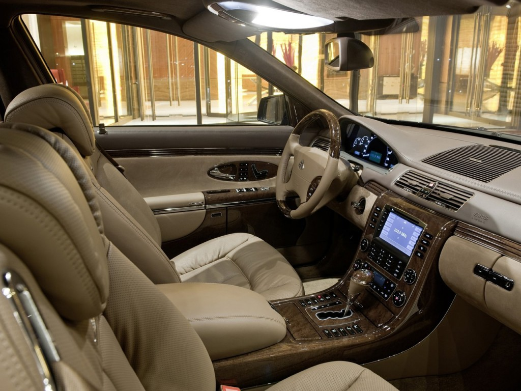 2010-Maybach-62-S-Interior-View