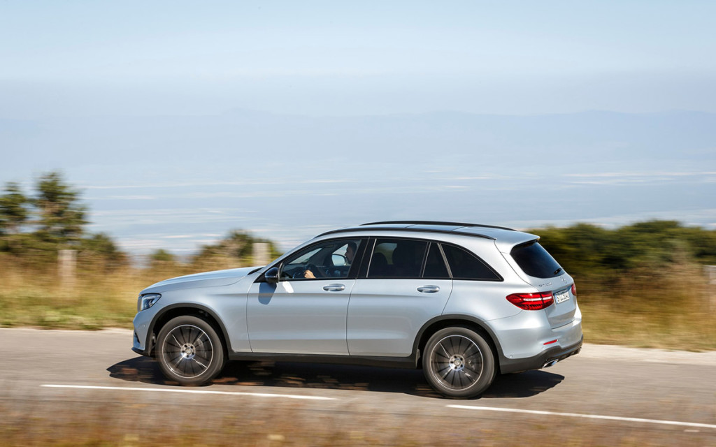 Mercedes-Benz GLC 2016 04.jpg