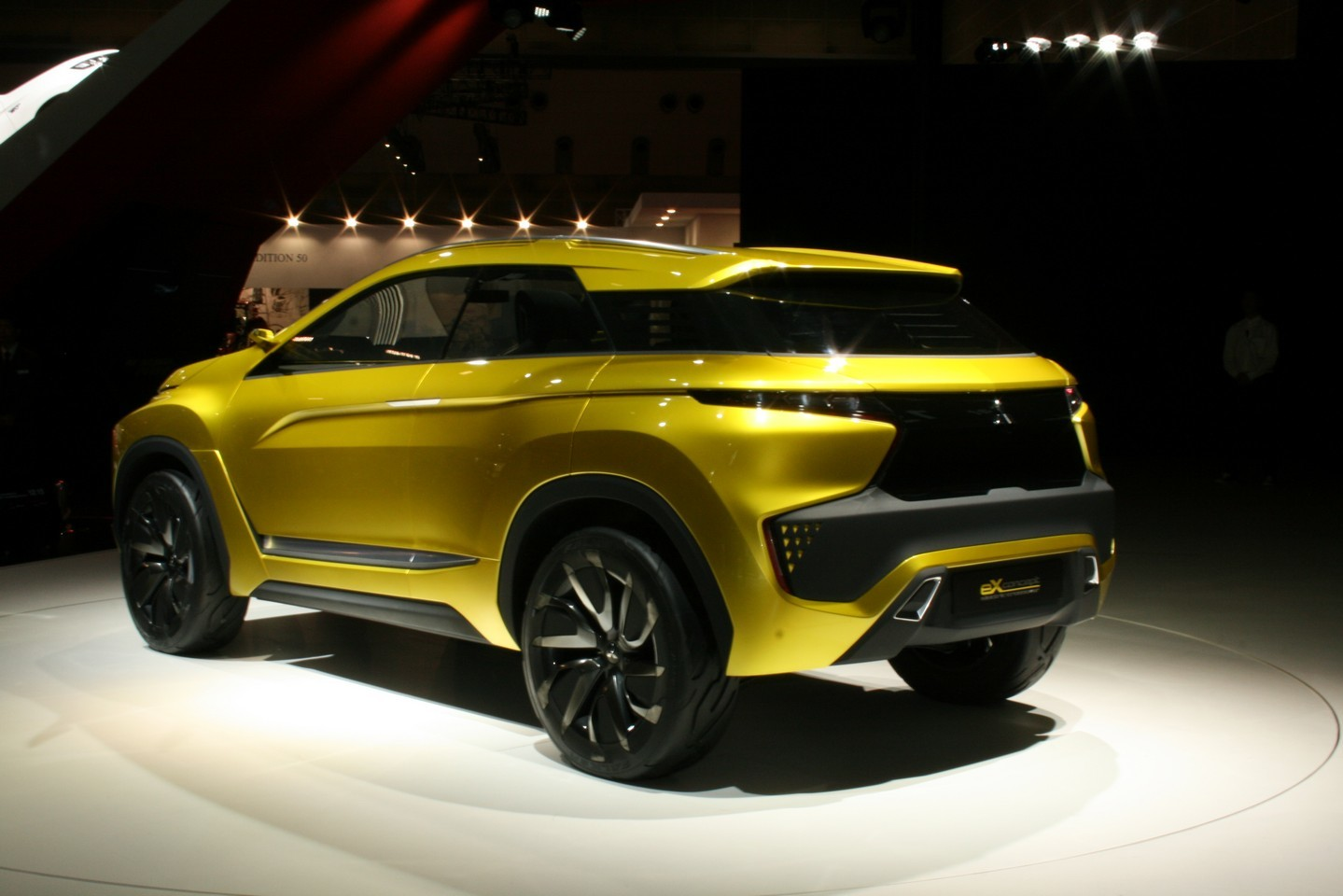 Mitsubishi eX Concept 02