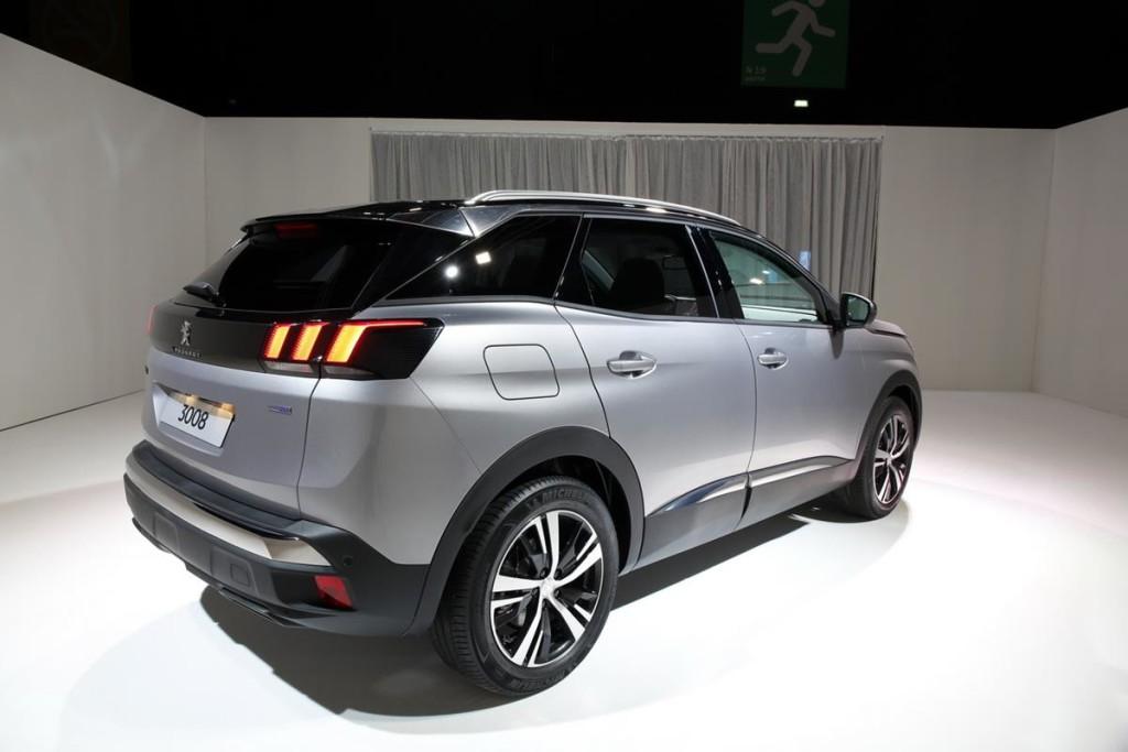 Peugeot_3008_2016_03