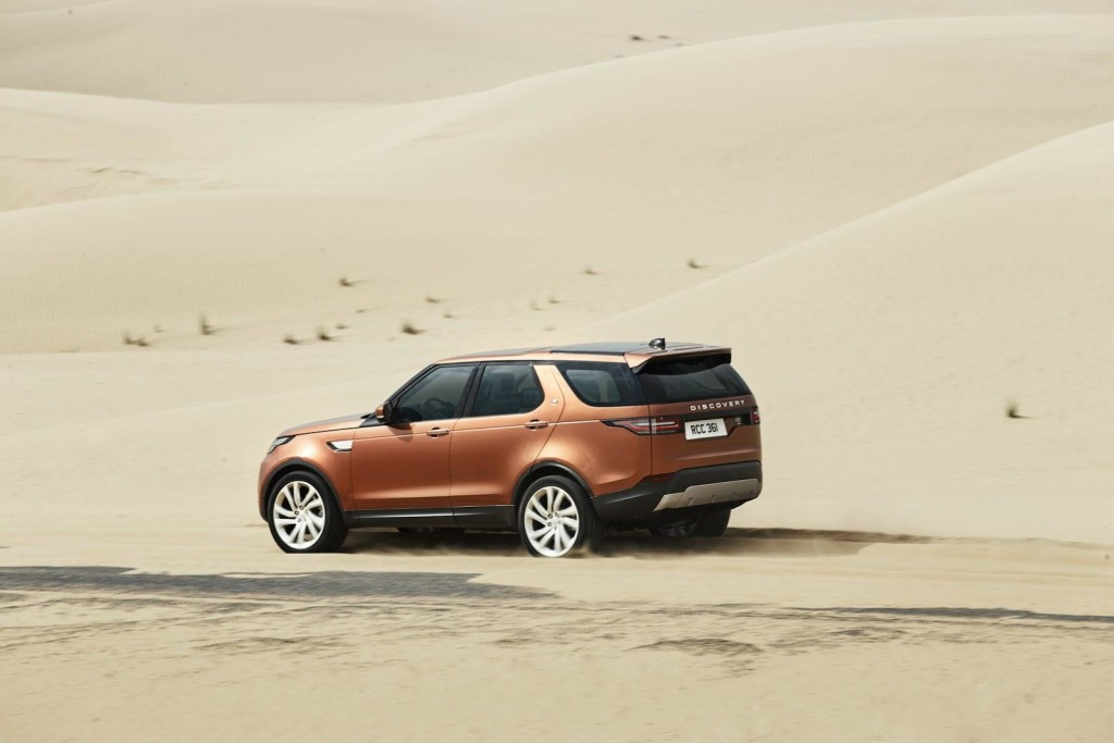 Land-Rover-Discovery-5-2017-04