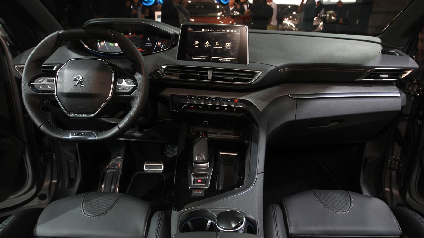 Новый Peugeot 5008 появится в России в первом квартале 2018 года