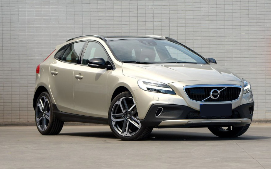 Volvo-V40-Cross-Country-03