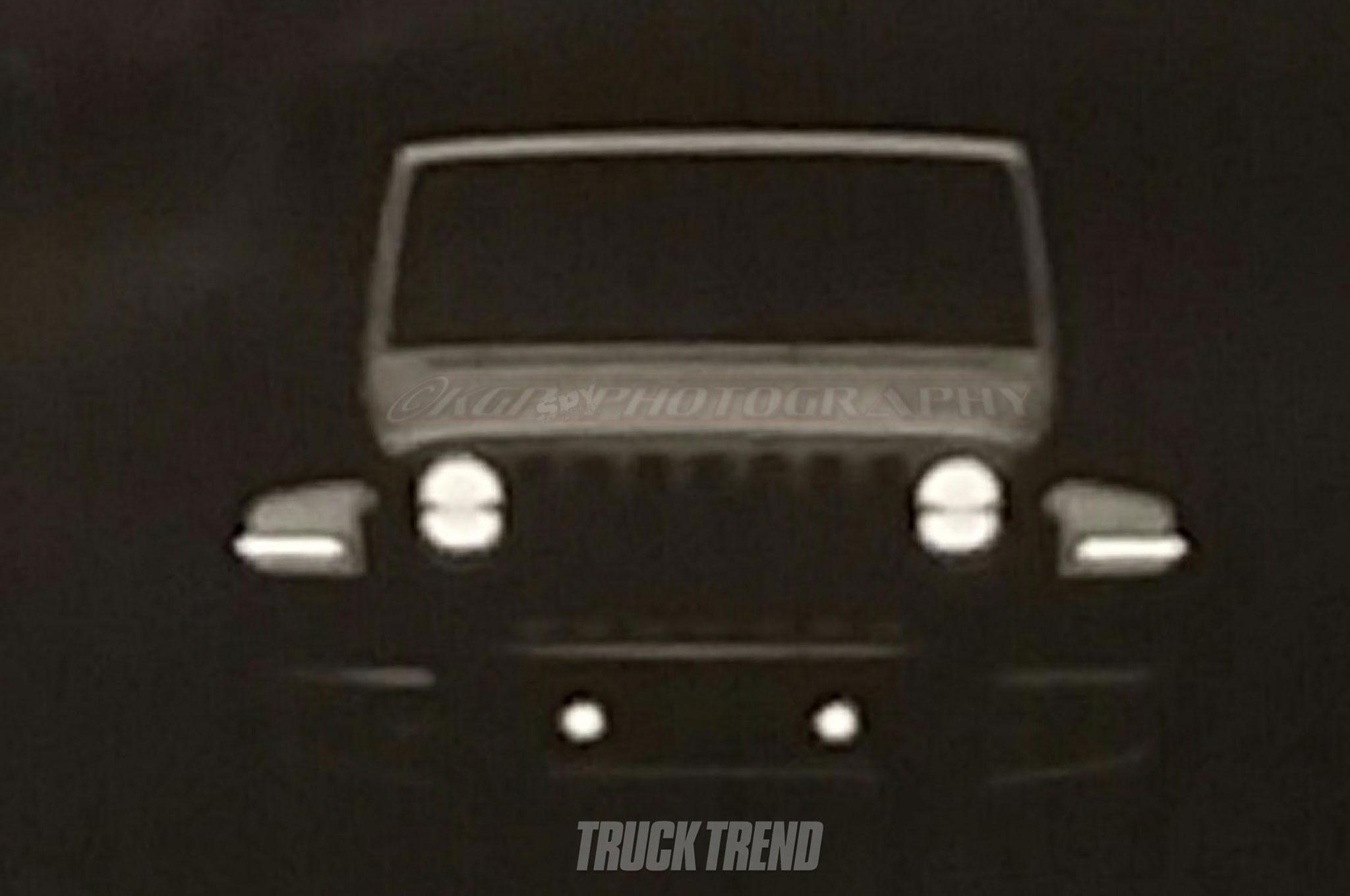 Появились первые фото нового внедорожника Jeep
