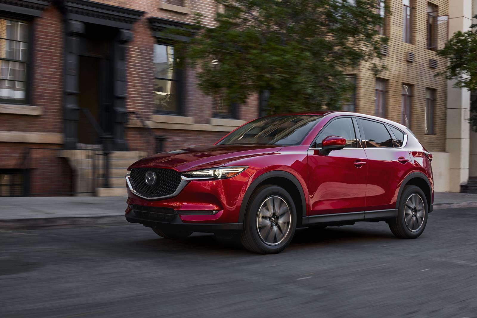 Mazda CX-5 2017 — фотогалерея кроссовера
