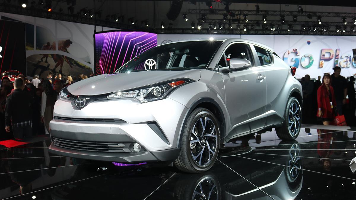 Toyota_C-HR_USA-02