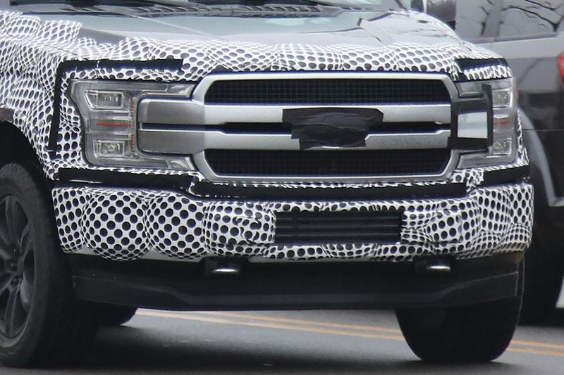 Появились шпионские фотографии улучшенного пикапа Форд F