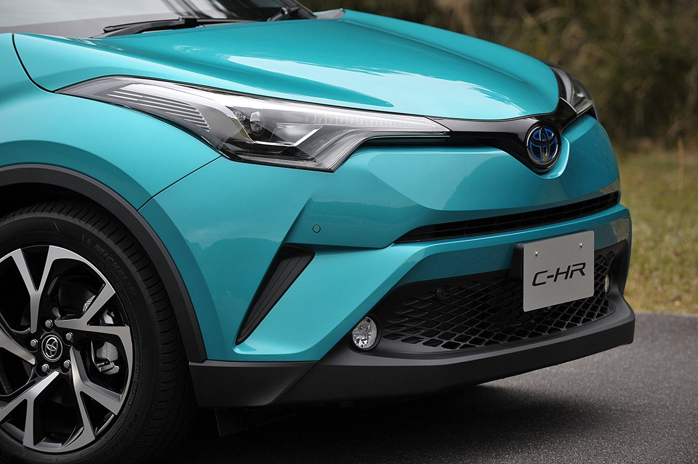 Toyota_C-HR_photo_06