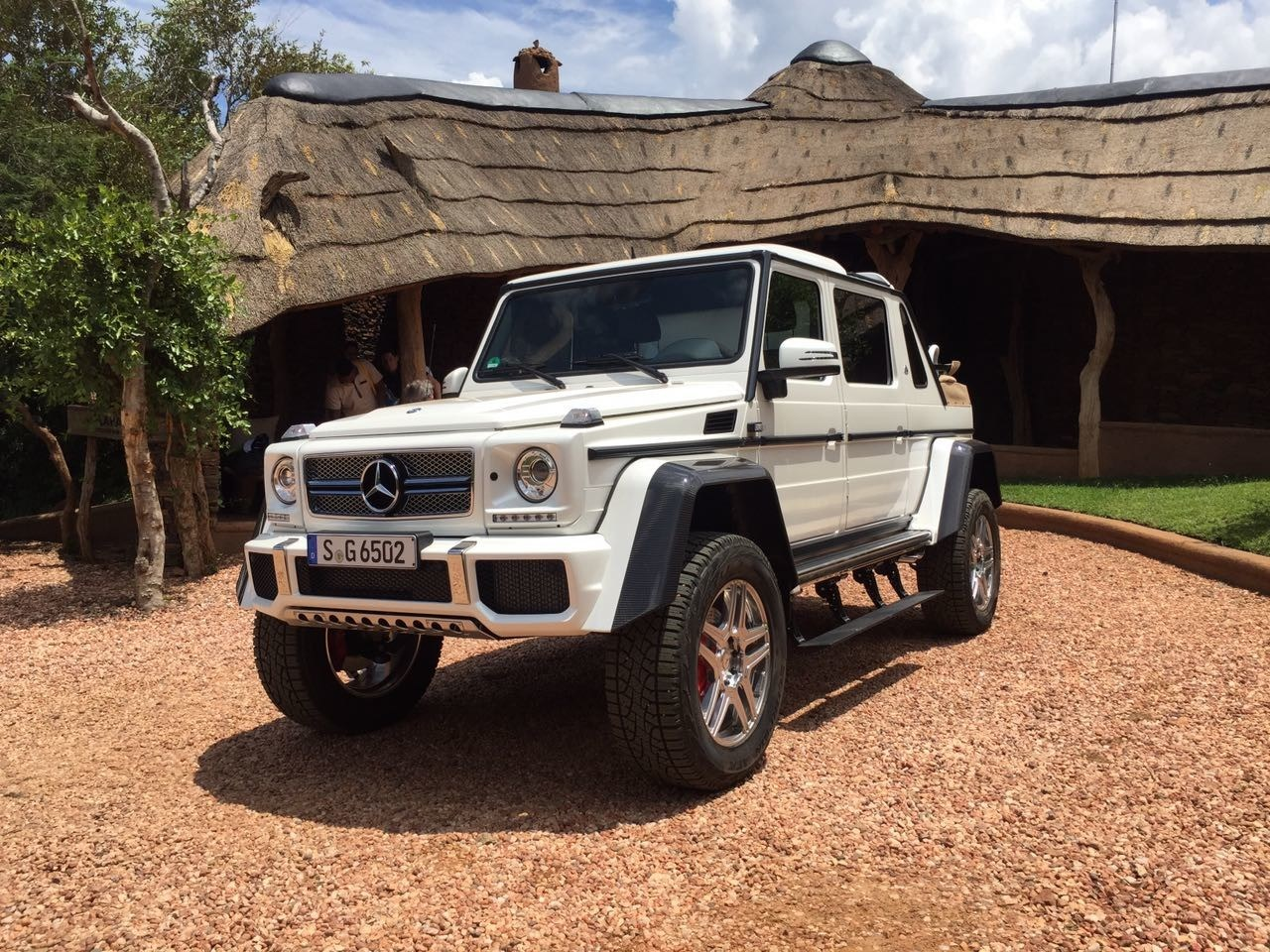 Mercedes-Maybach-G650-02