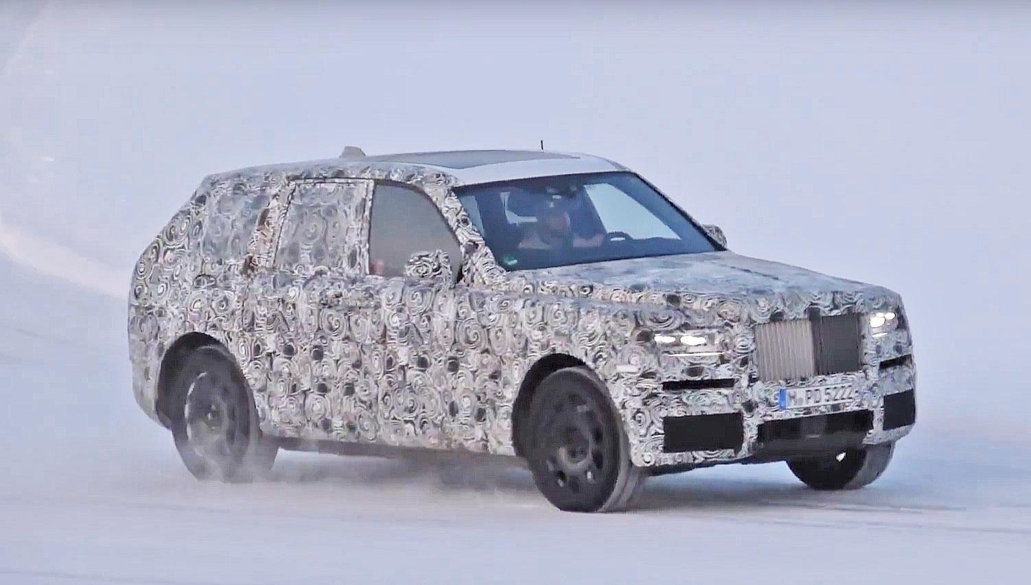 Rolls-Royce-Cullinan-test-video