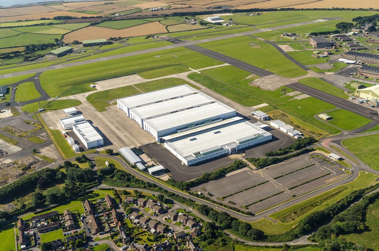 Астон Мартин построил завод набывшей военной базе ВВС