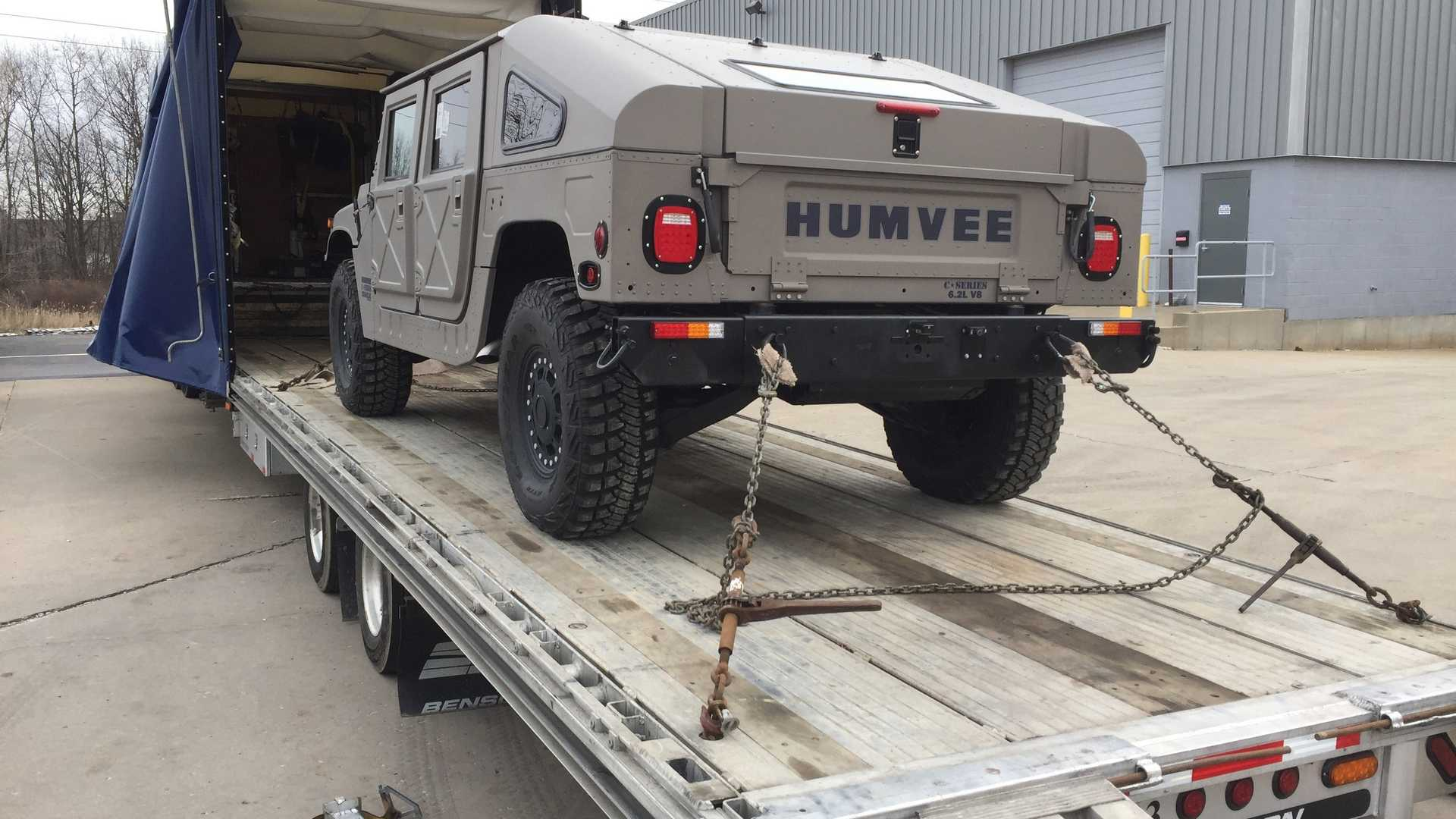 ВШтатах возродили Hummer H1