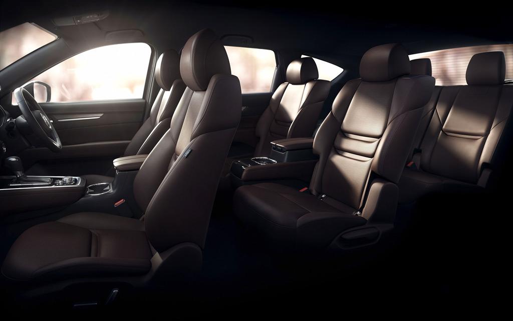 Mazda рассекретила экстерьер нового семиместного кроссовера CX-8