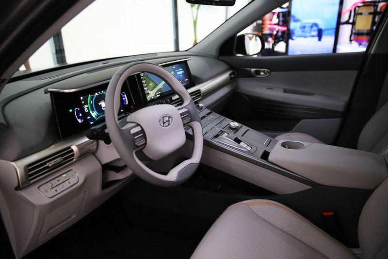 Hyundai презентовал предсерийную версию нового водородного кроссовера class=