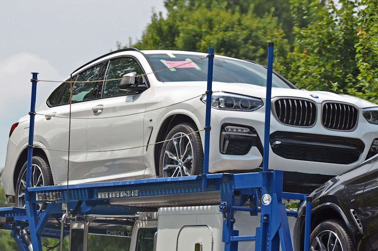 Второе поколение BMW X4 сфоотографировали во всей красе