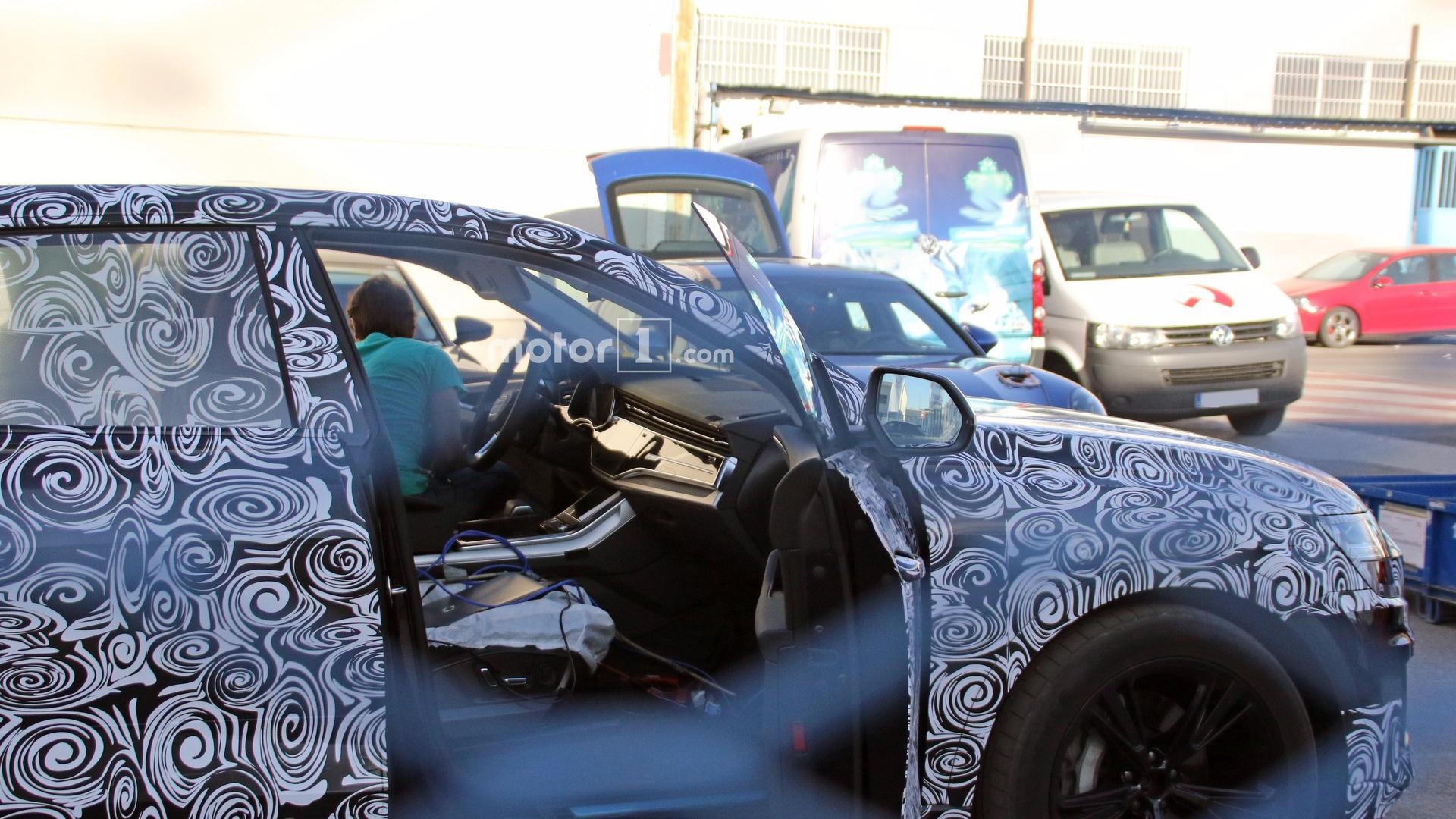 Audi Q8 салон