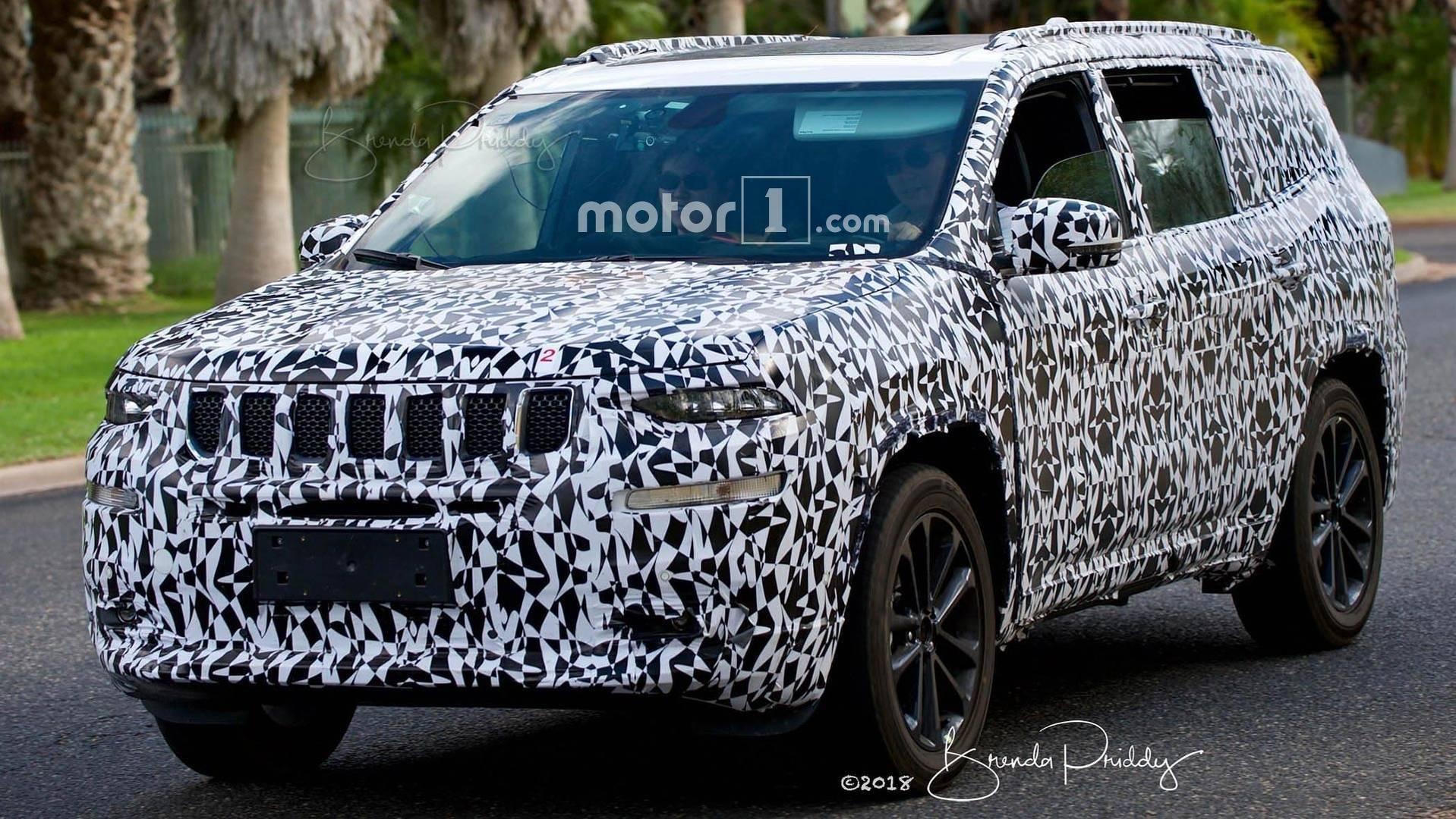 Нашпионских фото «засветился» новый полноприводный внедорожник Jeep Wagoneer