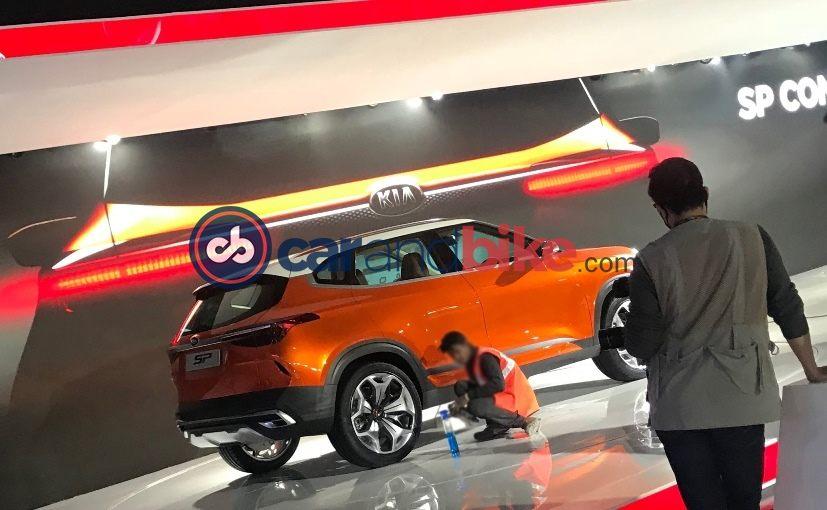 Kia показала навидео концептуальный кроссоверSP Concept сэффектной оптикой