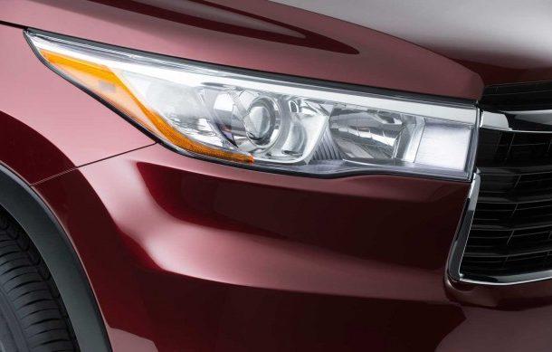 Toyota Highlander 2014 решетка радиатора и передняя оптика