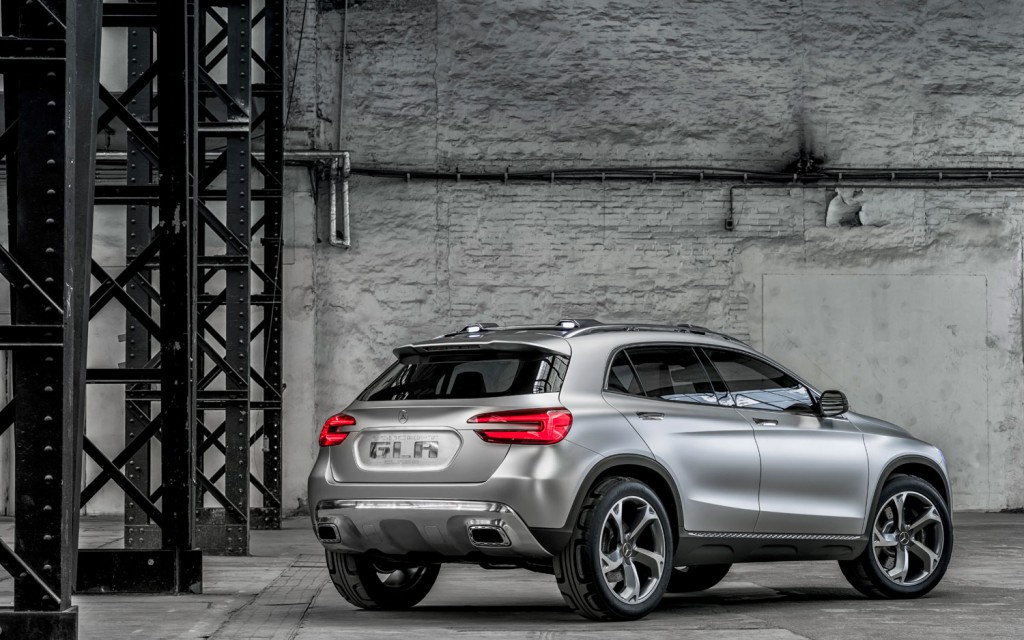 Mercedes-Benz-Concept-GLA-rear-right-side-view