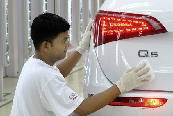 Audi Q5 на сборочном конвейере