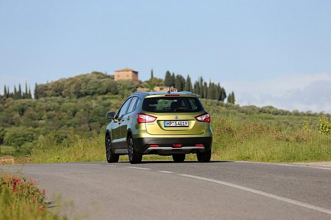 Новые фото Suzuki SX4 2014