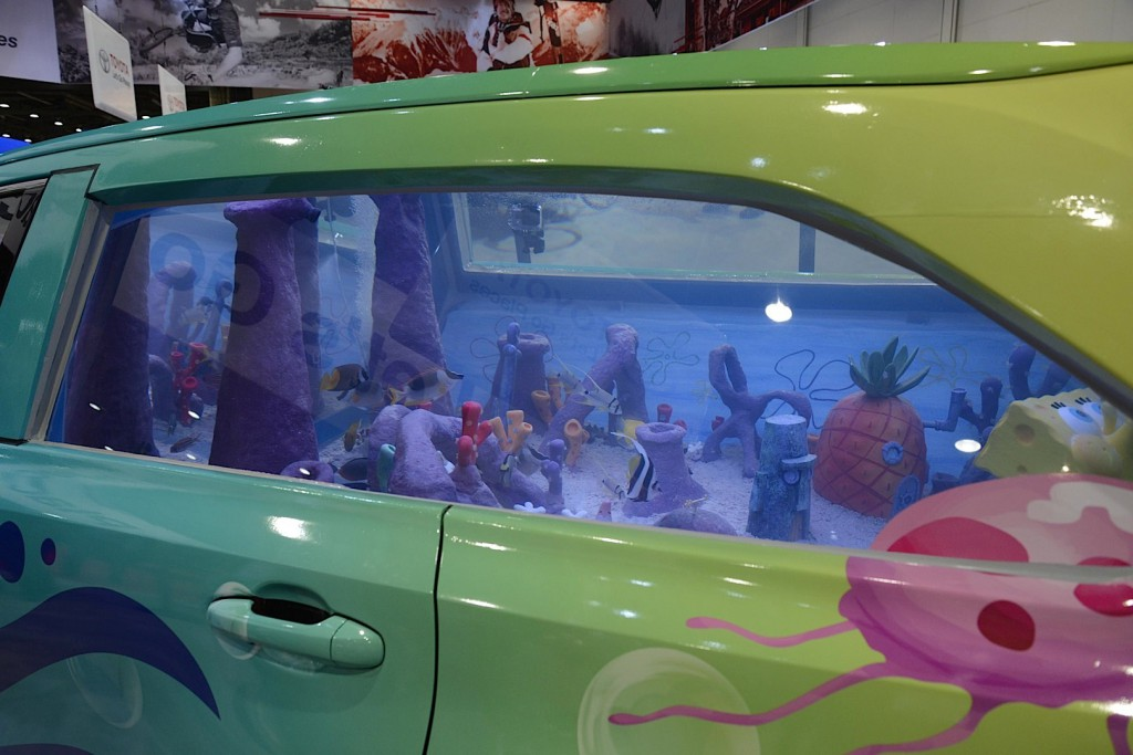 toyota-spongebob-highlander-is-a-fish-tank-on-wheels_2