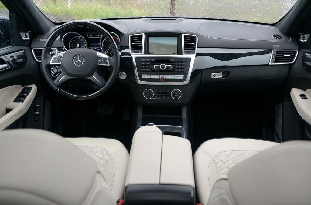 Mercedes-Benz GL 350 BlueTEC 2013 17.jpg