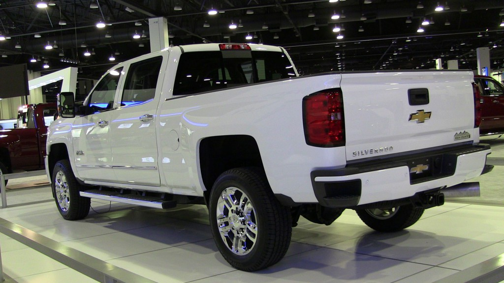 Chevrolet Silverado High Country HD 03