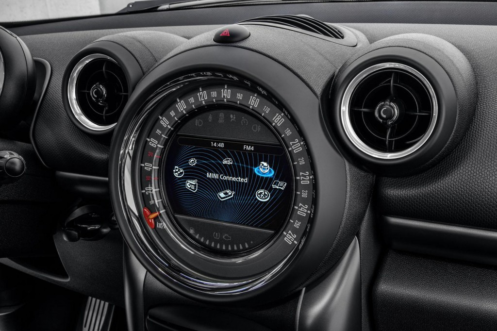 MINI Countryman 2015 14.jpg