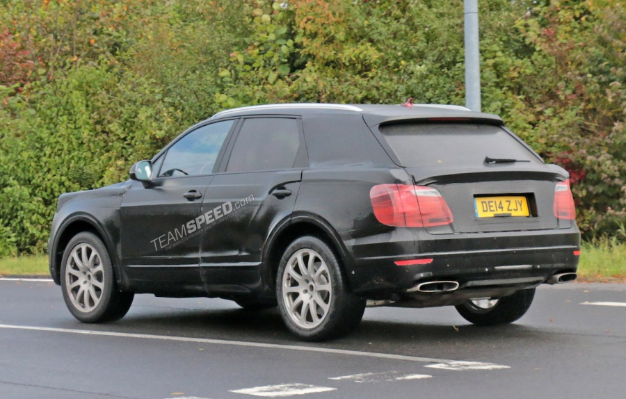 Bentley SUV 8
