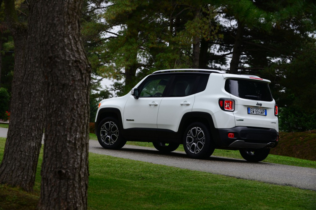 Jeep Renegade 2015 02.jpg