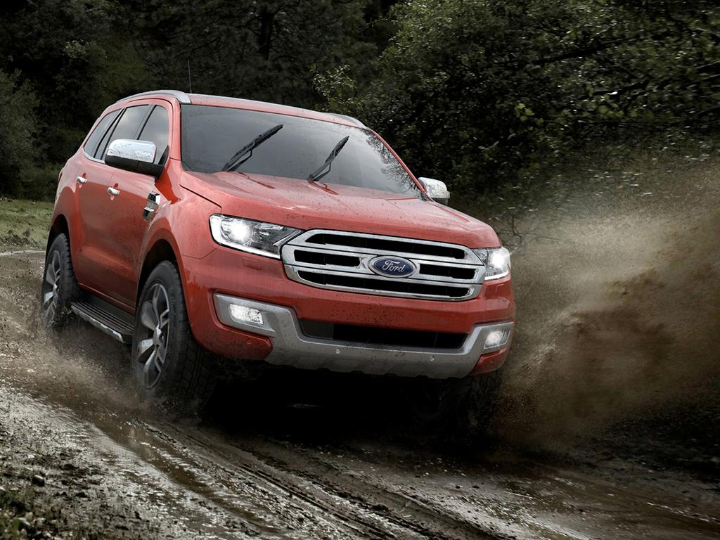 Ford Everest 2015 01.jpg