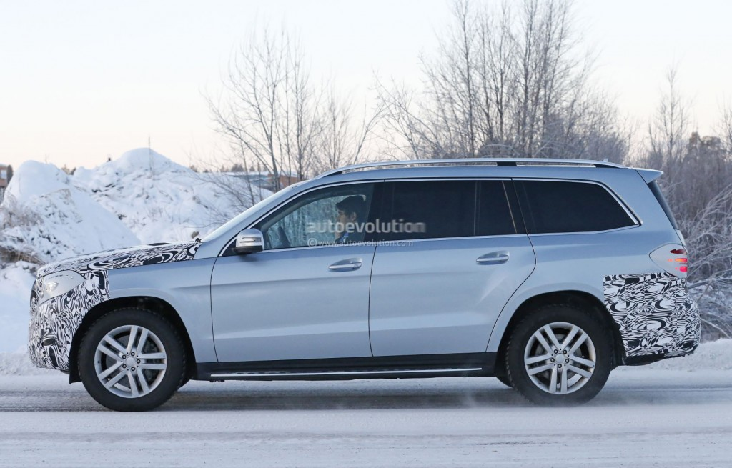 mercedes-benz-gls-spied-why-this-gl-facelift-should-have-an-all-new-interior_8