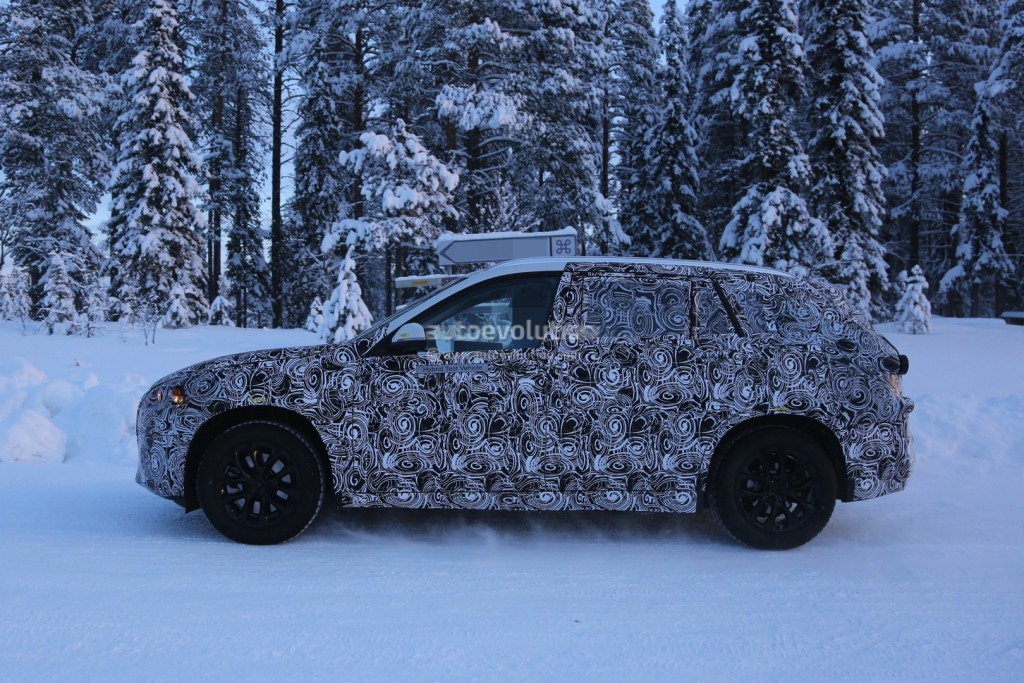 2016-bmw-f48-x1-7-seater-spied-during-winter-testing-photo-gallery_4