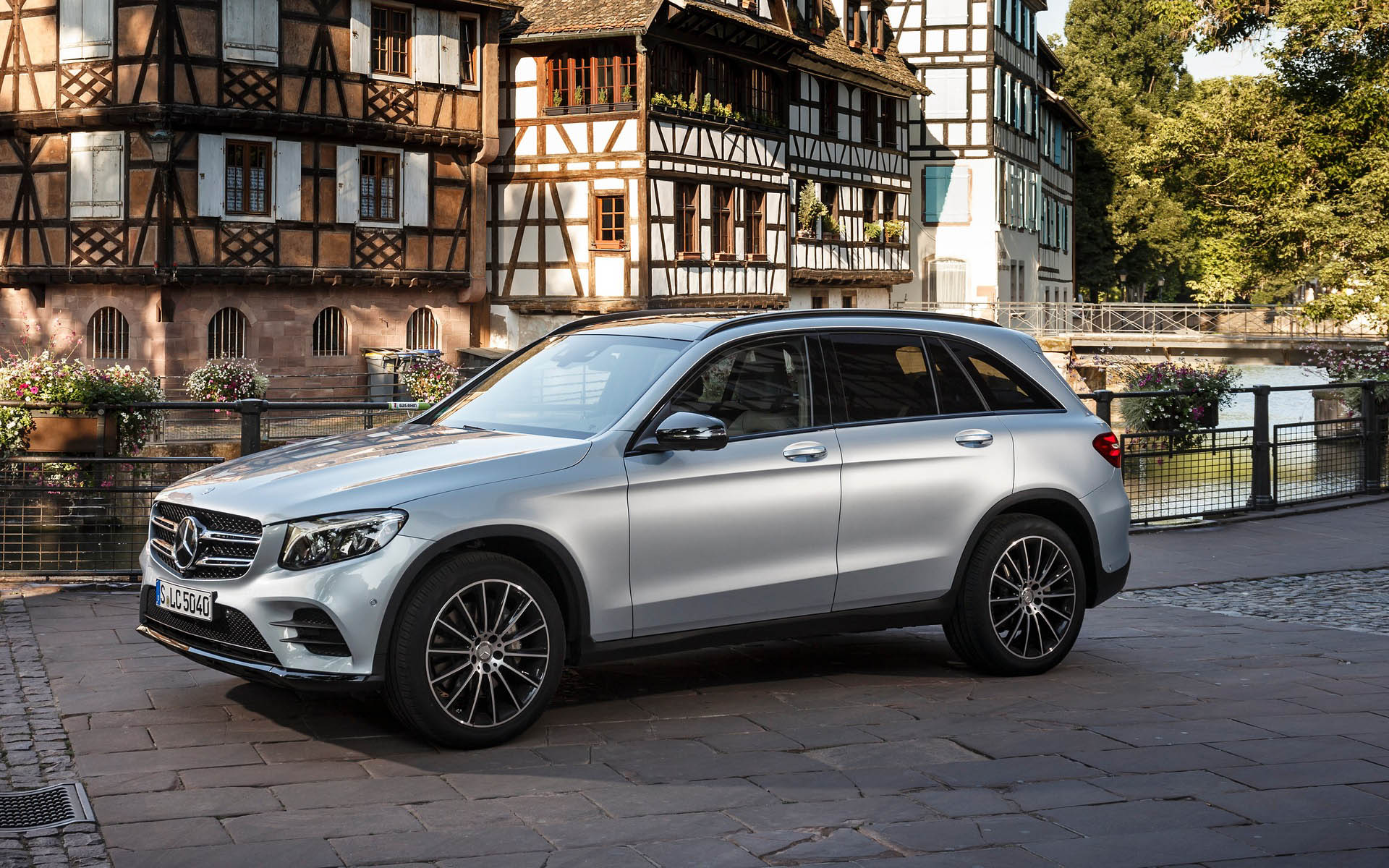 Mercedes-Benz GLC 2016 — фотогалерея