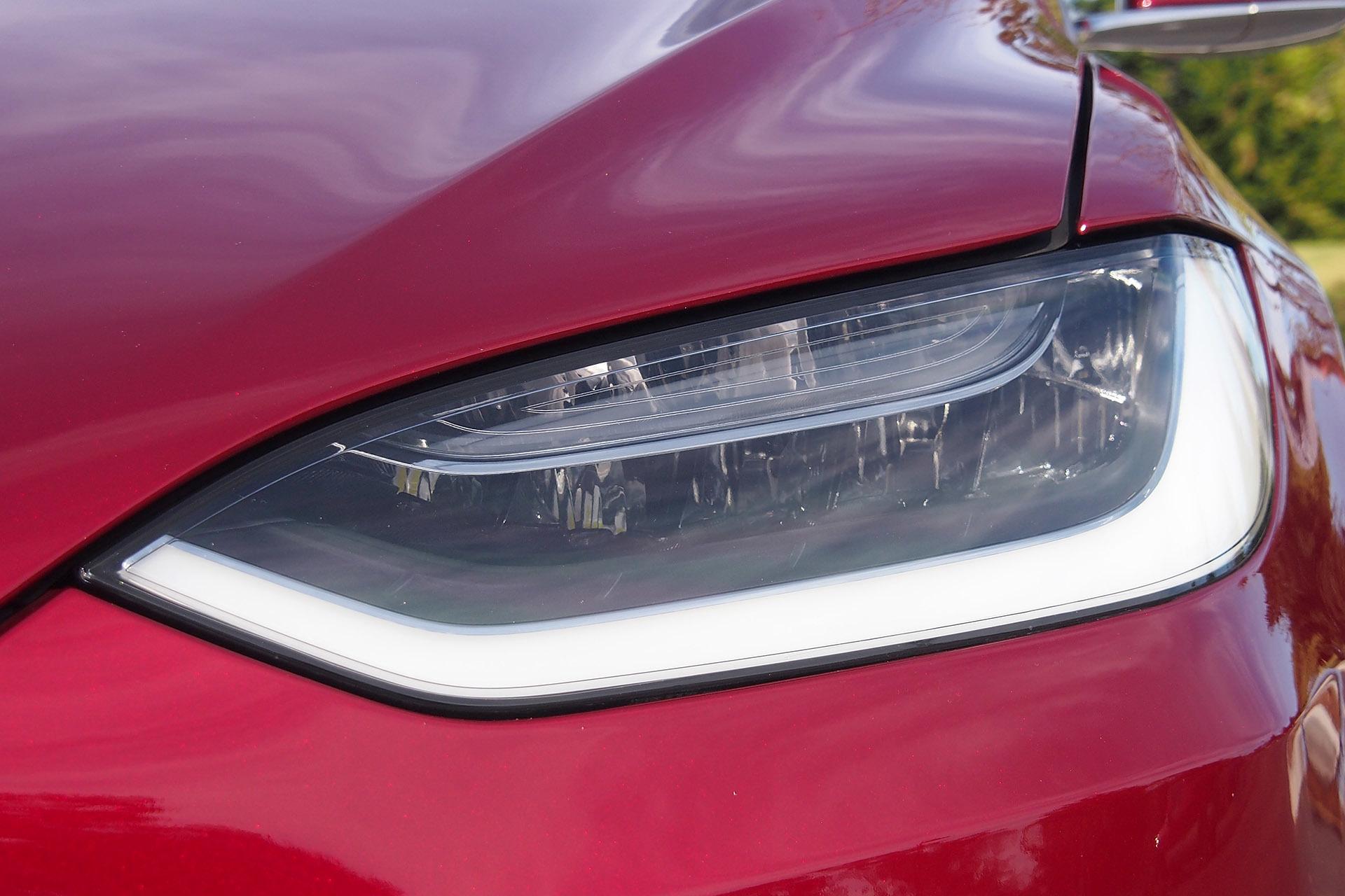 Tesla Model X — фотогалерея кроссовера