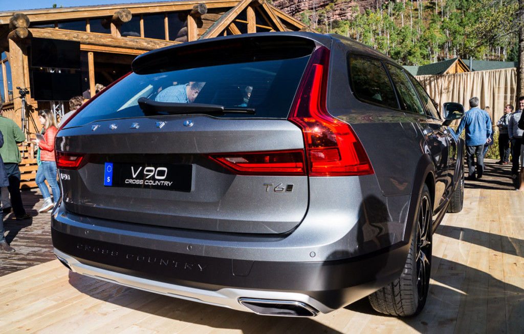 Volvo-V90-Cross-Country-08