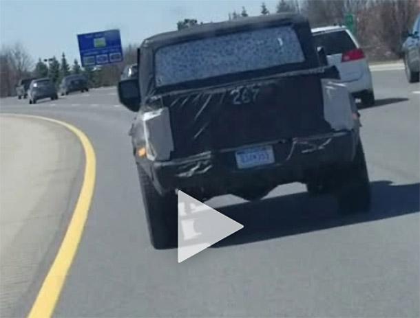 Пикап Jeep Scrambler попал в объектив (Видео)