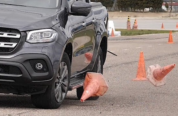 Mercedes X-Class не испугался «лосиного теста»