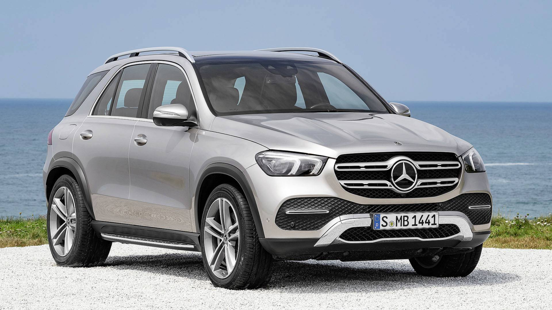 Видеозапись с кроссовером Mercedes‐Benz GLE опубликовали в Сети