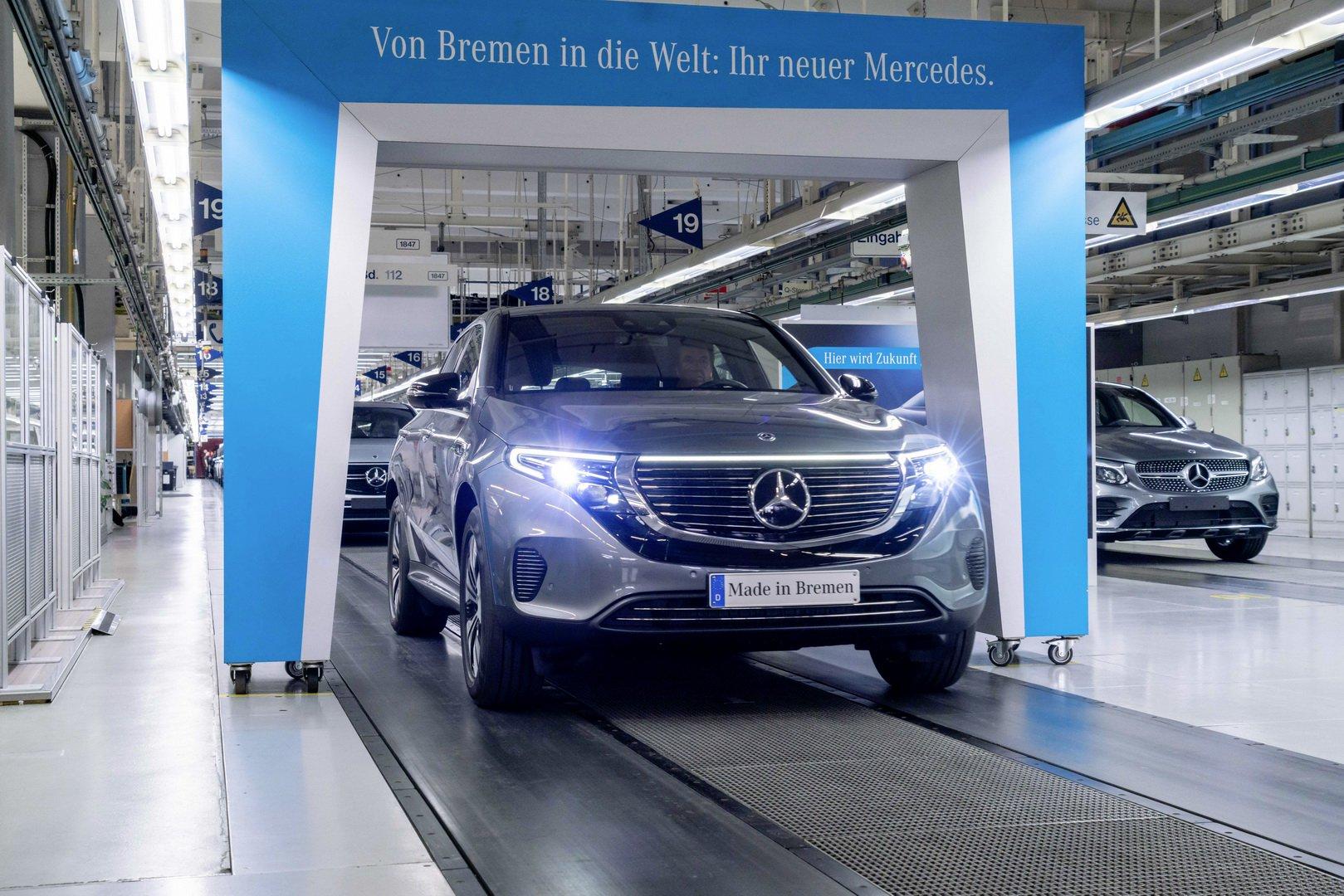 На электрический Mercedes EQC начали принимать заказы