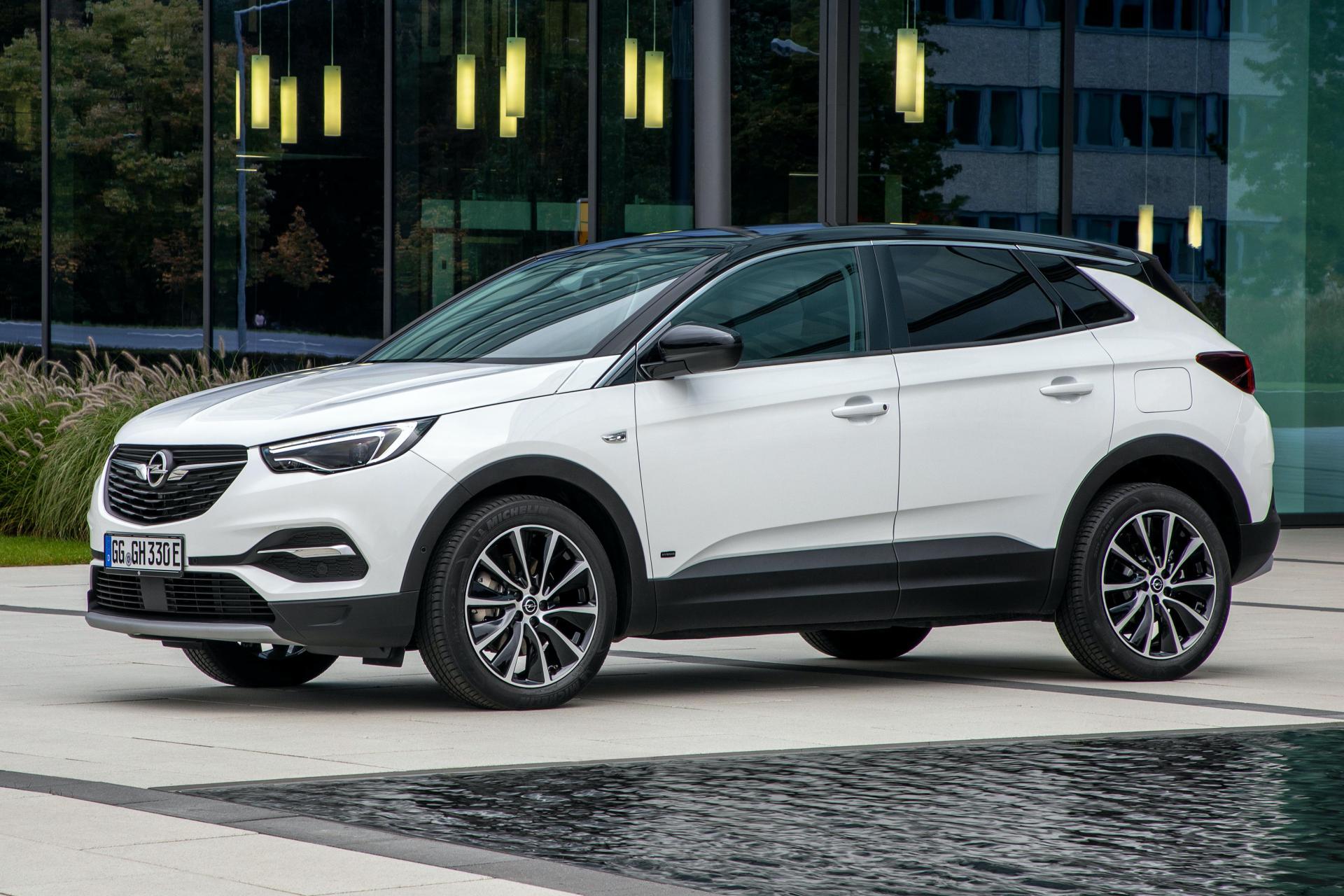 Opel Grandland X Hybrid FWD